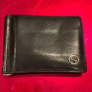 Authentic Men's  Gucci Bi-Fold Wallet.